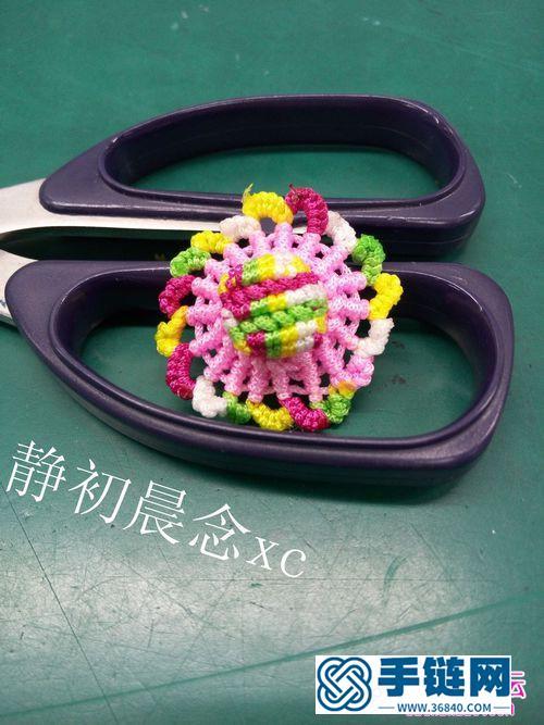 中国结编织的五彩草帽小饰品教程