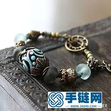 施华洛世奇水晶和珠子打造闪亮弹簧吊坠手链,附制作图解教程